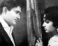 Dev Anand and Waheeda Rehman<br>       in 1965's Guide