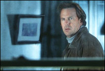 Kevin Costner in Dragonfly