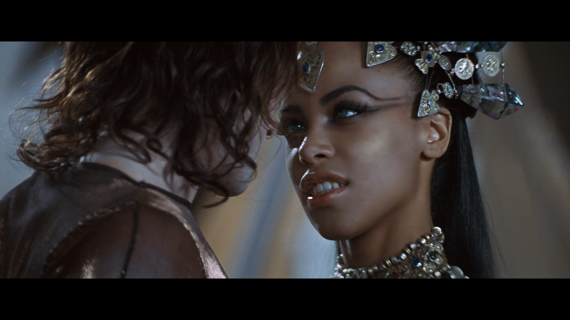 Aaliyah queen of the damned movie well