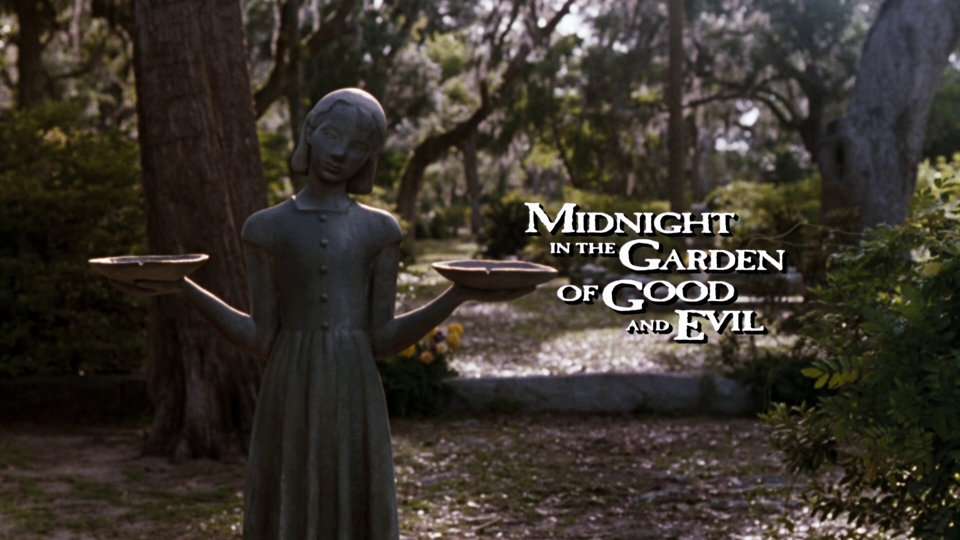 Midnight In The Garden Of Good And Evil Blu Ray Dvd Talk Review Of The Blu Ray