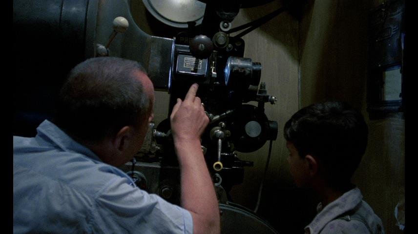 cinema paradiso blu ray dvd talk review of the blu ray arrow includes a nice booklet color stills behind the scenes photos and movie posters along an essay by pasquale iannone