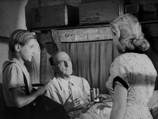 a review of roberto rossellinis film open city Film review  at the end of roberto rossellini's searing rome open city  was shot with electrifying urgency months after the city's liberation.